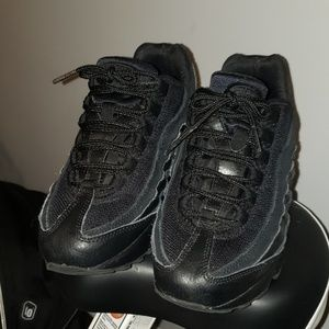 Grade school air max 95 sneakers